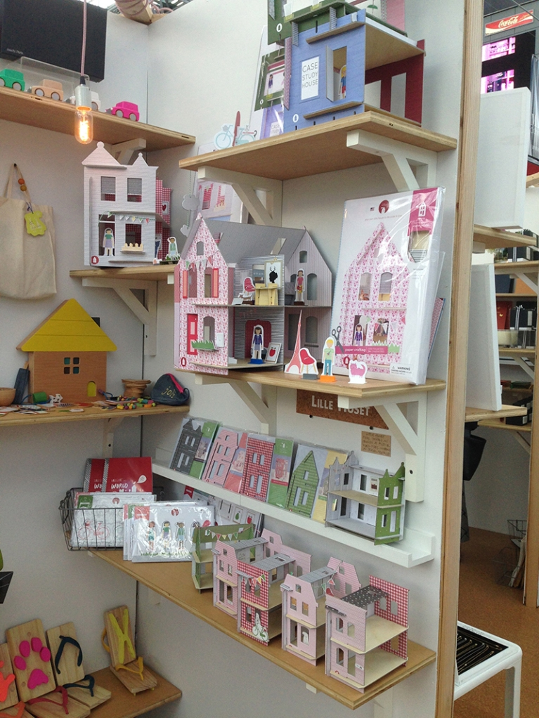 lille huset diy dollhouse at ny now